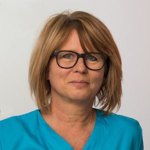 https://dr-stefan-vollmer.de/wp-content/uploads/2020/02/DSC_1265-Susanne-Kuerz-300x300.jpg